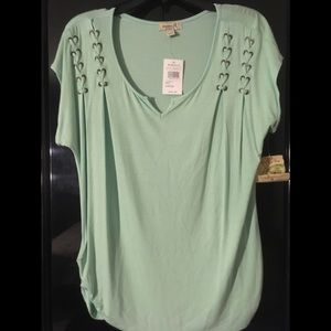 "Misses ""One World"" Top L Mint Green"